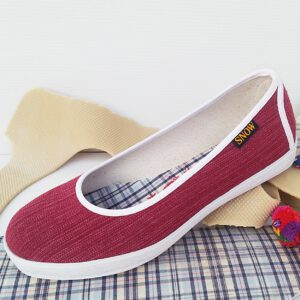 รองเท้าคัดชู ผ้าทอมือไทย สีแดงเลือดหมู พื้นยางพาราแท้